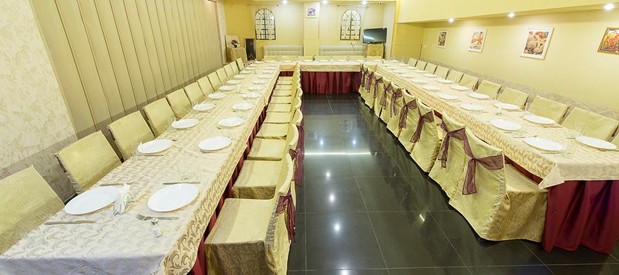 Какова вместимость поминальных залов в Ваших кафе и ресторанах?