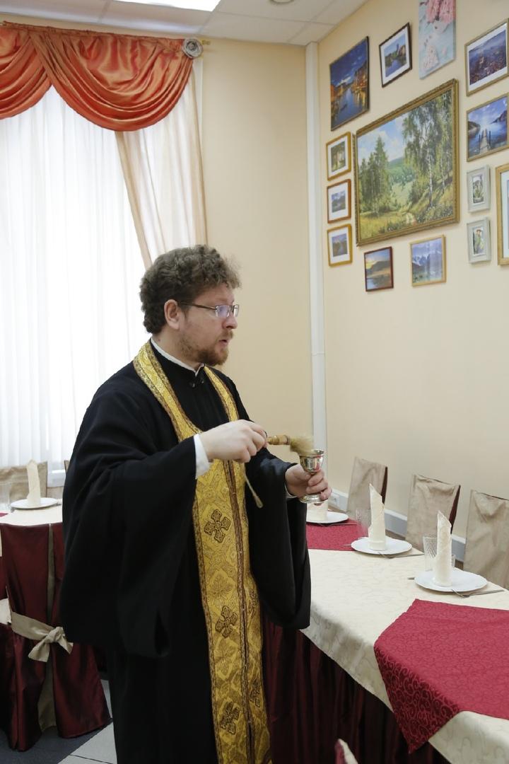 Поминальное фуршетное меню 1200 рублей