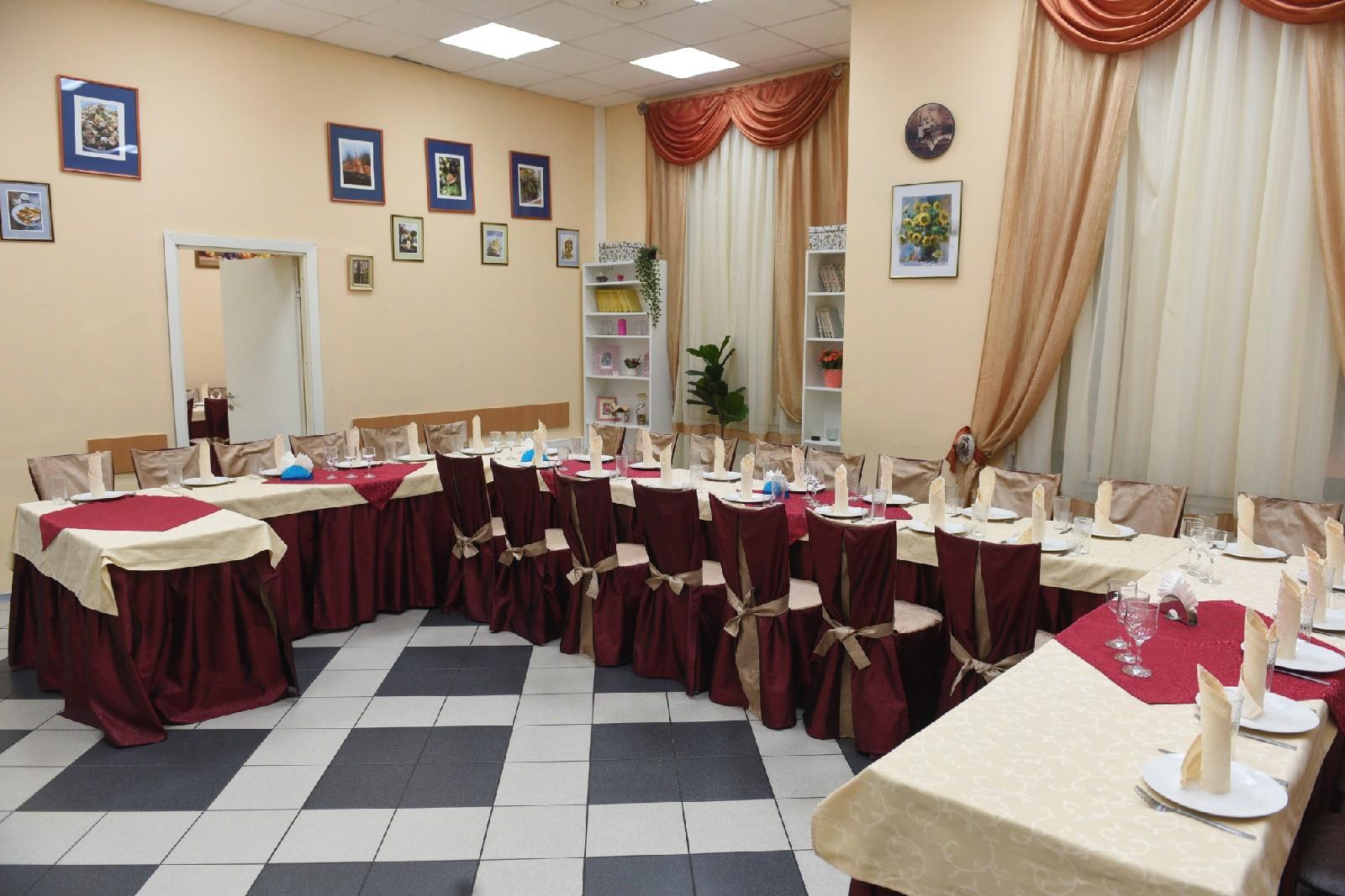 Залы для поминок у Северного кладбища Санкт-Петербурга